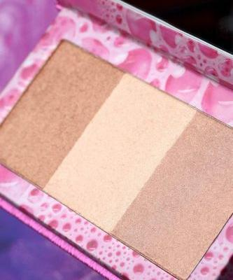 The Urban Decay X Kristen Leanne Collection Beauty Beam Palette