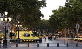 Tourists advised to stay inside after deadly Barcelona attack