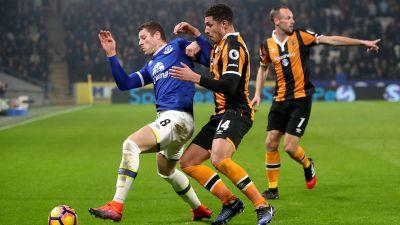 Barkley salvages late draw for Everton with Hull City