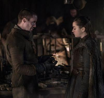 Why GOT's Arya & Gendry Sex Scene Was So Unexpected - & So Damn Hot