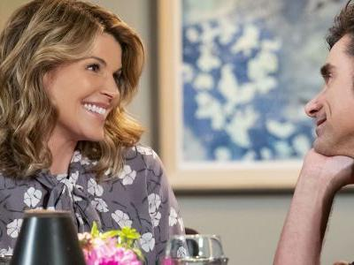 Fuller House's Candace Cameron Stands by Lori Loughlin Despite College Scandal