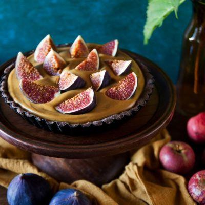 Carob Tart with Pumpkin Pudding