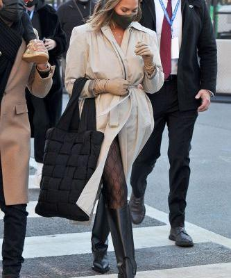 Chrissy Teigen Wore the Fashion-Girl Trend That Makes Every Outfit Cooler