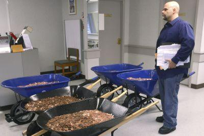Man pays 'inconvenient' DMV fine with 300K pennies