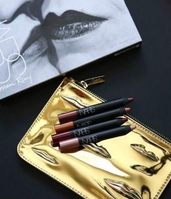 NARS Man Ray for NARS Holiday Collection: The Kiss Has It in the Bag