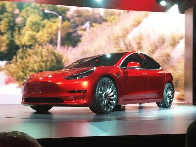 5 reasons Tesla's music-streaming service is the best idea Elon Musk has had this year