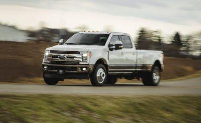 2017 Ford F-450 Super Duty Tested: Extra Dimensional