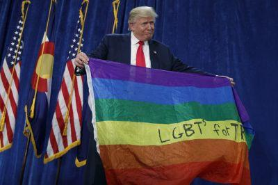 Twitter reacts to Trump's decision to ban transgender Americans from the military