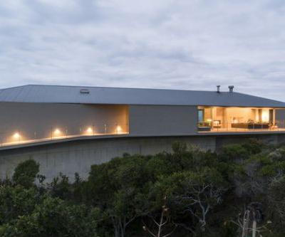 Floating Dune House / Slee & Co Architects