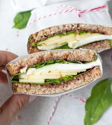 Perfect Packed Lunch: Apple, Spinach and Goat Cheese Sandwich