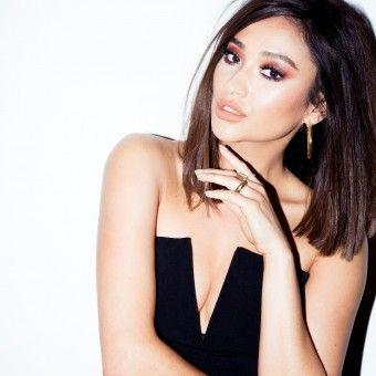 Why Shay Mitchell Swore Off Eyelash Extensions