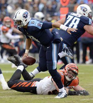 Titans fight to best start since '08, edge Bengals 24-20