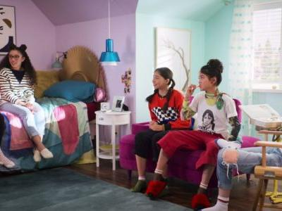 The Costumes in Netflix's 'The Baby-Sitters Club' Are Peak Cool Tween™