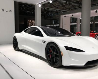 Musk Says Tesla Roadster Will Be Able To Hover