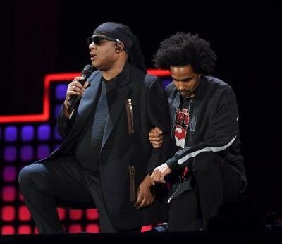 'I'm taking a knee for America': Stevie Wonder joins a movement Trump deplores