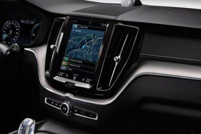 Android Auto shifts gears: Hands on with the new dashboard interface