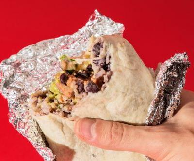 Chipotle is struggling as it searches for a new CEO, but it doesn't matter because its biggest rival is way better - here's why