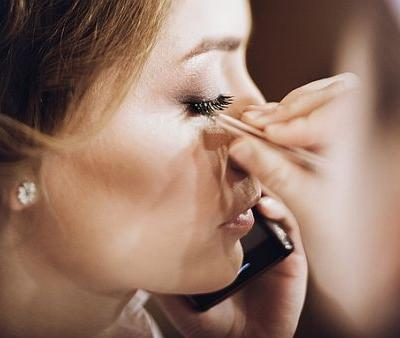 The 5 Best Makeup Tips on Reddit