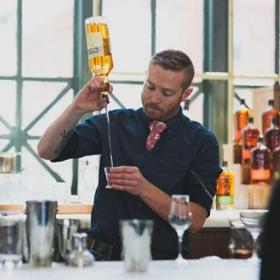 How to Order a Cocktail: Tips from Bar Experts