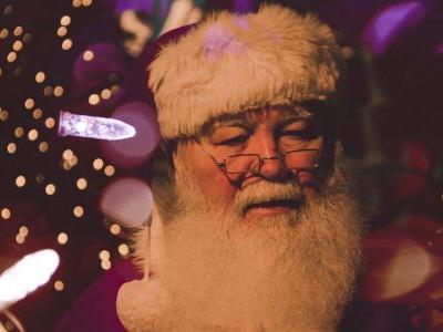 Can We All Agree That 10-Year-Olds Shouldn't Believe in Santa?