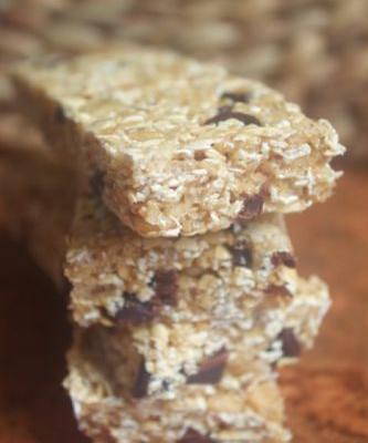 No-Bake Chewy Chocolate Chip Granola Bars {Gluten-Free}