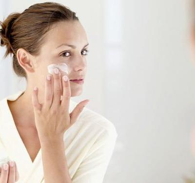 Hydrating or moisturising: What does your skin really need?