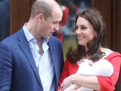 First Official Photos Of The Royal Baby Are Here, Prepare To Be Smitten