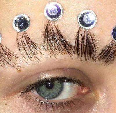 Brow crowns are the beauty trend you need if you want to feel like a queen