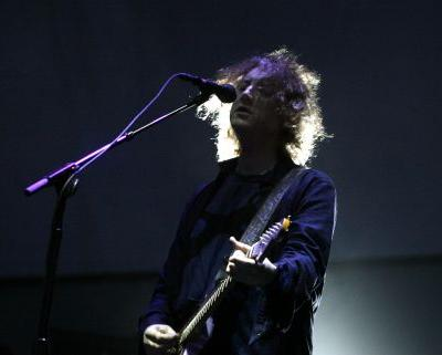 Watch My Bloody Valentine's Kevin Shields Play Solo Show