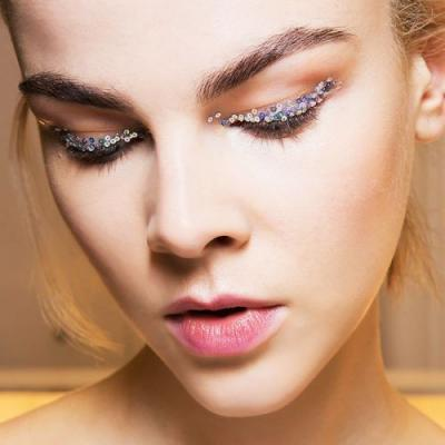 How to Pull Off Gaga-Worthy Glitter Eye Makeup Without Making a Mess