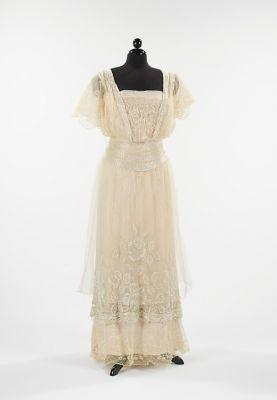 Fashionsfromhistory: Evening Dress Plaza Gown