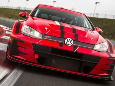Facelifted VW Golf GTI TCR 345HP Racer Ready For The 2018 Season