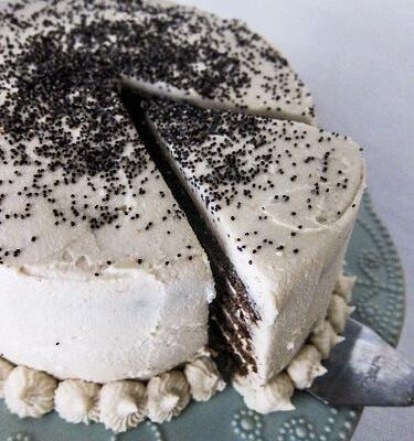 Vegan Almond Poppy Seed Cake