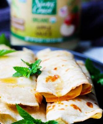 Honey-Ricotta and Apple Sauce Crepes