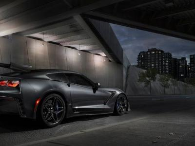 Chevrolet's First 2019 Corvette ZR1 Sold For Nearly $1 Million
