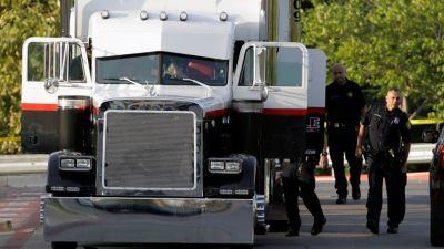 Tractor-trailer in immigrant smuggling case had Iowa license plate
