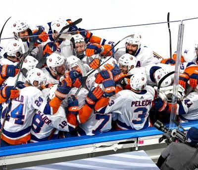 Islanders force Game 6 with thrilling double OT win over Lightning
