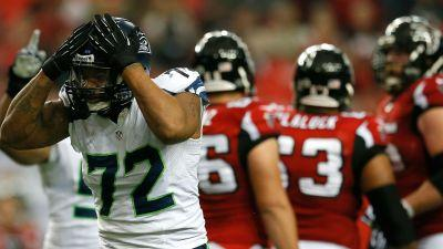 Seahawks' Michael Bennett blows up at reporter after loss to Falcons