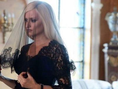 Penelope Cruz Is a Spot-On Donatella Versace in 'American Crime Story'