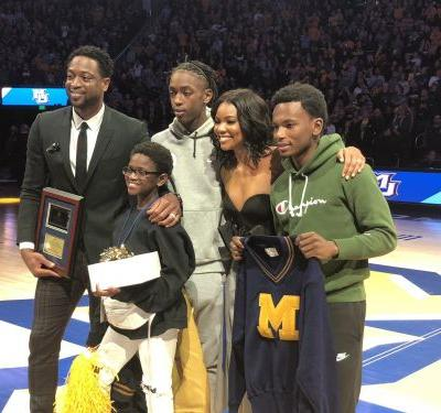 Tributes honor Dwyane Wade during Sunday's Marquette-Providence game