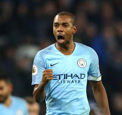 Fernandinho hopes Liverpool crumble under pressure