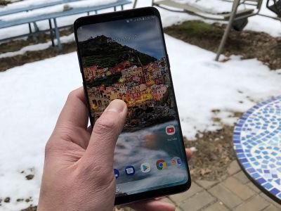 Dead Zones on Your Galaxy S9 Touchscreen Giving You Trouble? Try This