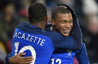 Germany leaves it late to draw 2-2 with France, extend run