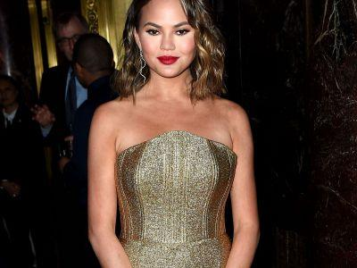 Chrissy Teigen Skipped John Legend's Billboard Music Awards Performance To Watching Magic Mike Live In Vegas