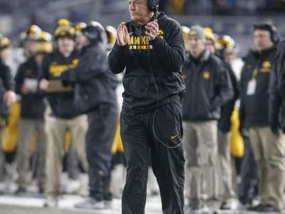Heralded recruit Daviyon Nixon will have to sit out first year for Iowa football team