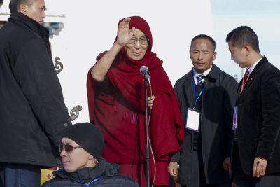 Dalai Lama preaches in Mongolia, risking China's fury