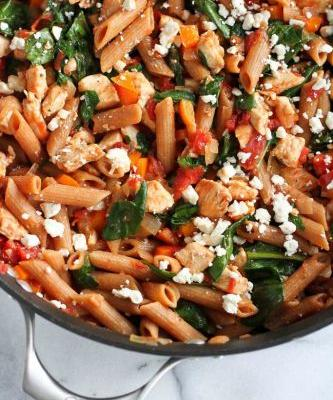 One-Pot Pasta with Chicken & Spinach