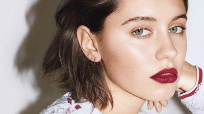 Iris Law Just Landed a Burberry Beauty Campaign