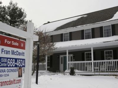 Sales of US homes fall year over year by most in 3½ years