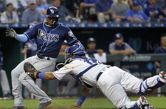 Hechavarria shimmies past Perez at plate, Rays beat Royals